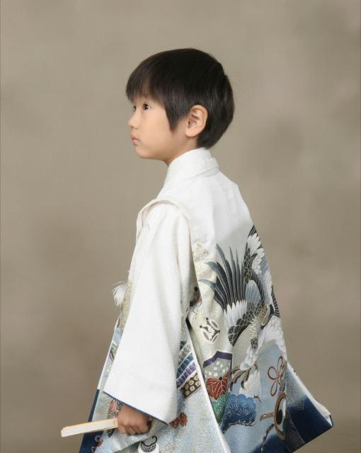 七五三の着物やスーツの選び方、3歳の男の子にぴったりなものはどれ?