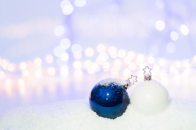 クリスマスコフレって何?普通のコスメとの違いは?