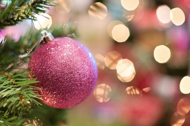 エスティ―ローダークリスマスコフレ中身・口コミや店頭販売と予約状況