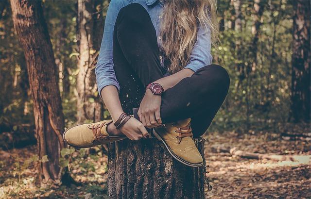 ショートブーツとパンツコーデを30代女性がおしゃれに着こなす方法