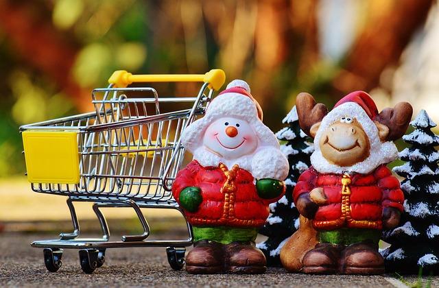 飛び出すクリスマスカードを手作りしよう!お子さんにもできる簡単な作り方を伝授