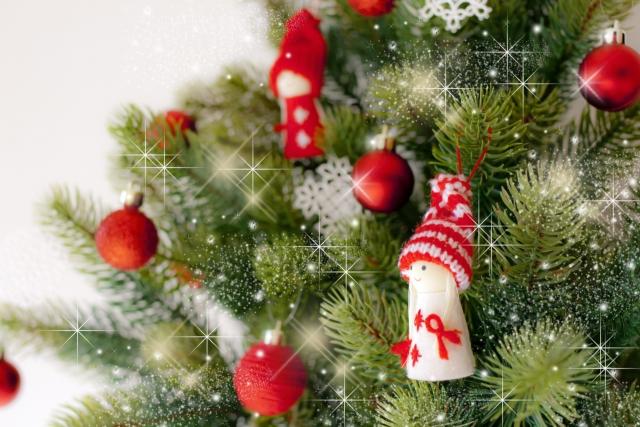 クリスマスリースを簡単手作り♪100均アイテムでお手頃に作る方法があるよ♪