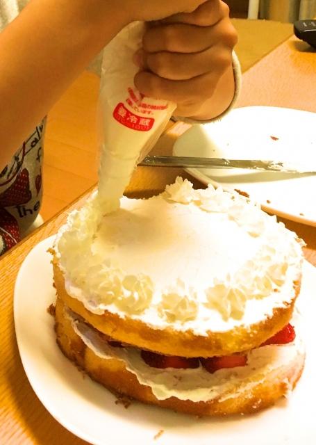 クリスマスケーキを家で手作りしよう!子供と一緒にできる簡単な作り方