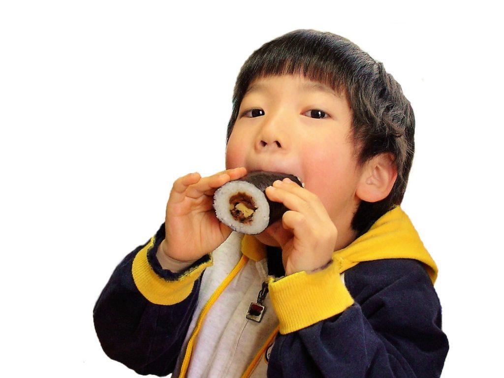 恵方巻きの方角2018!平成30年はどの方角に向いて食べる?食べ方や方角の決め方をわかりやすく紹介!
