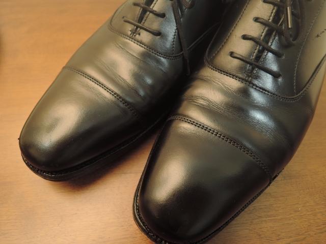 結婚式に招かれた時にふさわしい男性用の靴のデザインや色について