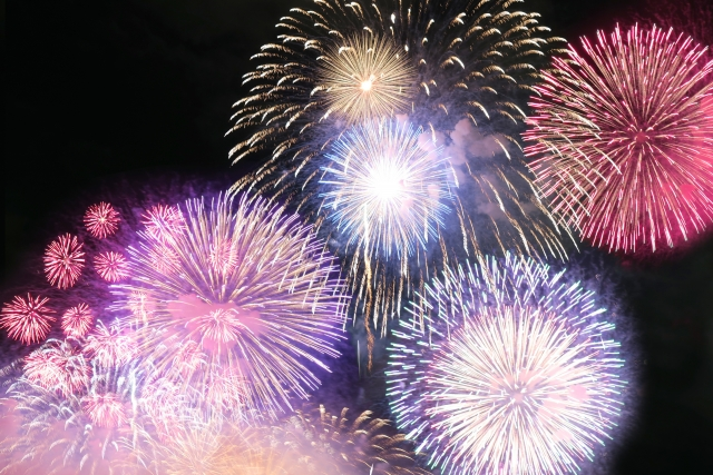 四日市市花火大会2018の見所や日程と穴場スポット情報を紹介!