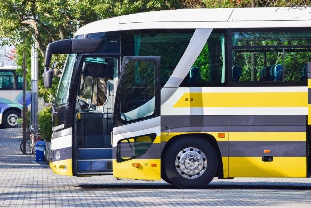 夜行バスは一番後ろの席がいい?疲れず快適に過ごすバスの選び方!