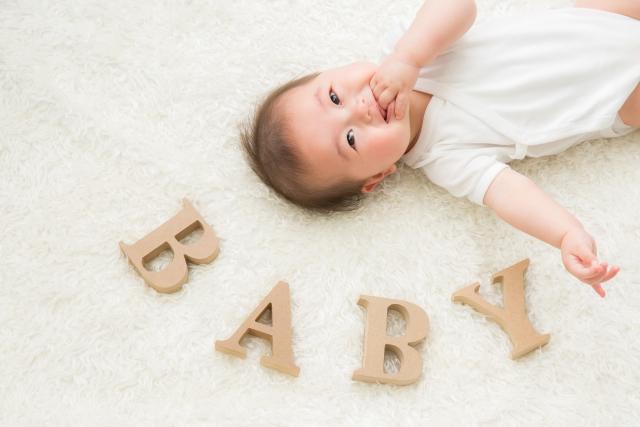 8ヶ月の赤ちゃんが抱っこを嫌がるしお昼寝もしてくれない理由と対処法は?