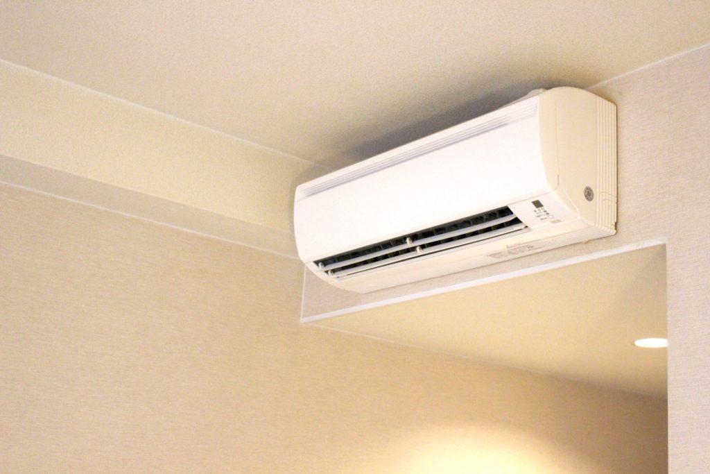 エアコンの冷房が昼間効かない理由は室外機に?原因と対策法を解説!