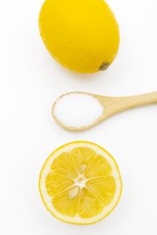 クエン酸はレモン汁の代用に使える?適量はどのくらい?使い方は?