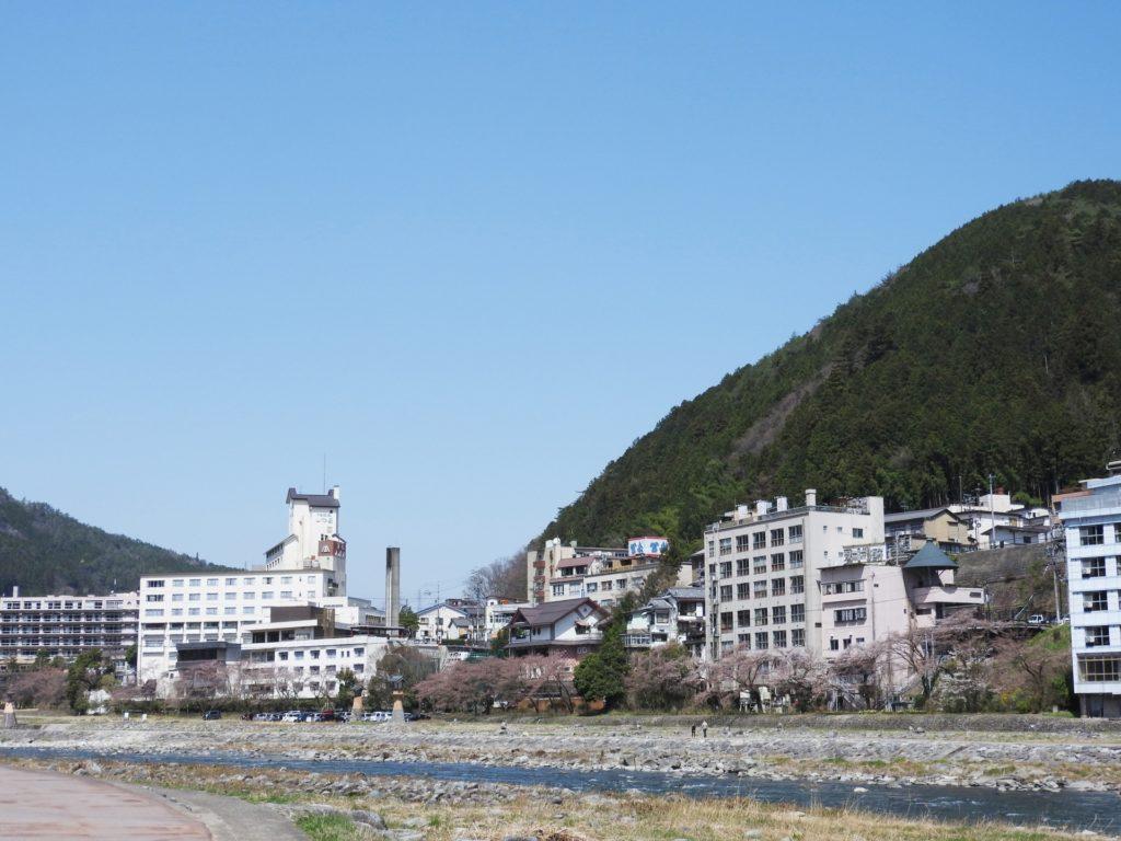 下呂温泉花火ミュージカル冬2018開催期間や場所穴場・駐車場は?